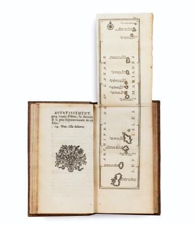 View 2. Thumbnail of Lot 9. LE GOBIEN (père). Histoire des isles Mariannes... 1700. In-12, maroquin rouge aux armes de Philippe de France..