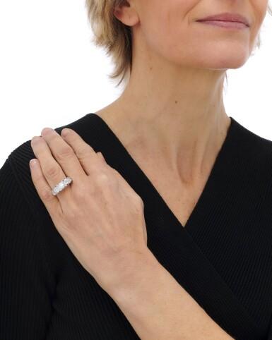 View 5. Thumbnail of Lot 7. Diamond ring (Anello in diamanti).