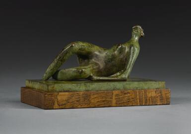 HENRY MOORE | RECLINING NUDE: CROSSED FEET