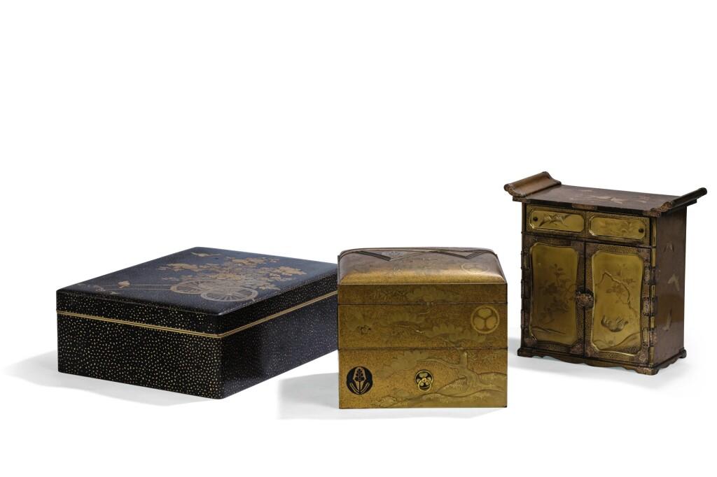 CABINET EN LAQUE JAPON, PÉRIODE EDO/MEIJI | A lacquer cabinet, Japan, Edo/Meiji period