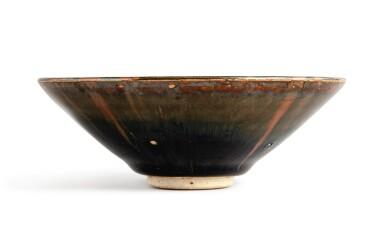 View 3. Thumbnail of Lot 101. A superb russet-splashed black-glazed bowl, Northern Song / Jin dynasty | 北宋 / 金 黑釉醬花飛斑紋笠式盞.