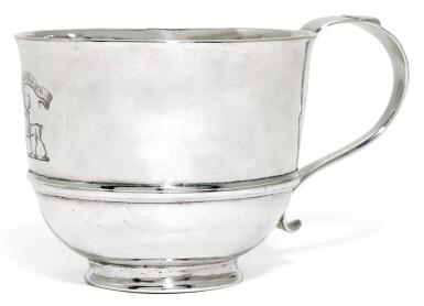 A GEORGE I SCOTTISH SILVER CUP, HENRY BETHUNE, EDINBURGH, 1716