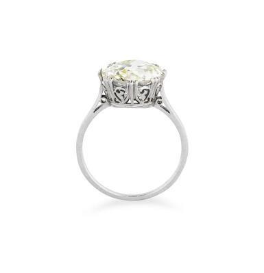 View 3. Thumbnail of Lot 10. BAGUE DIAMANT | DIAMOND RING .