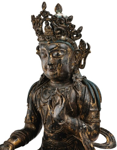 View 5. Thumbnail of Lot 182. A LARGE GILT-LACQUERED BRONZE FIGURE OF AVALOKITESHVARA MING DYNASTY, 15TH/16TH CENTURY | 明十五/十六世紀 漆金銅觀音菩薩坐像.
