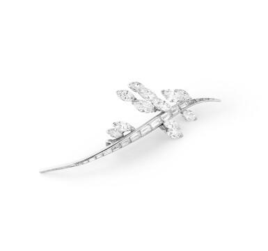 View 3. Thumbnail of Lot 98. Broche diamants | Diamond brooch.
