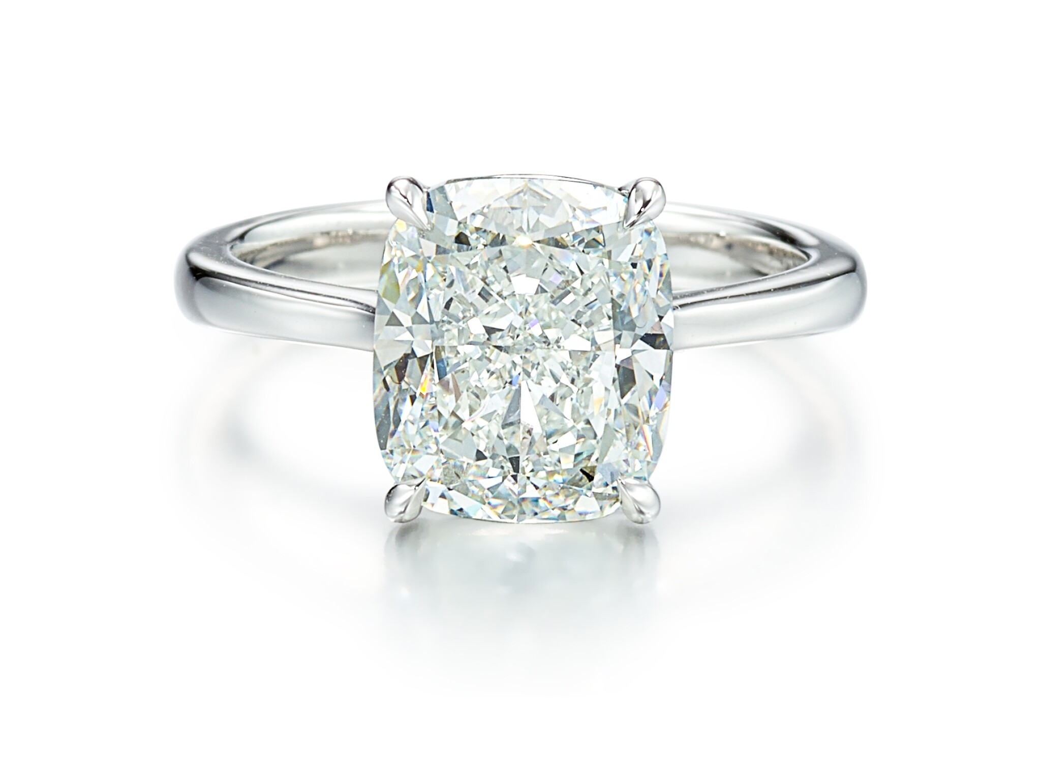 View full screen - View 1 of Lot 9126. DIAMOND RING   5.01卡拉 古墊形 E色 VVS2淨度 鑚石 戒指.