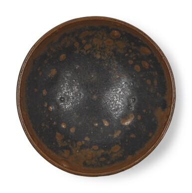 A RUSSET-SPLASHED BLACK-GLAZED BOWL | JAPAN, EDO PERIOD, 17TH CENTURY