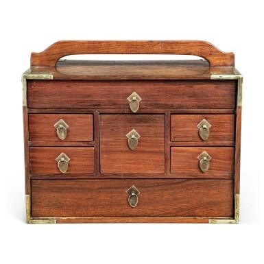 View 3. Thumbnail of Lot 117. A small 'huanghuali' portable cabinet (Yaoxiang), Qing dynasty, 18th / 19th century | 清十八 / 十九世紀 黃花梨插門式藥箱.