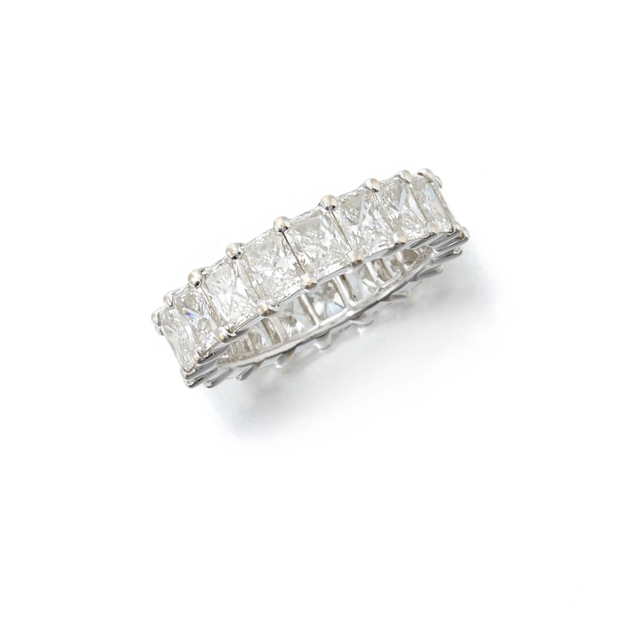 View full screen - View 1 of Lot 146. Diamond eternity ring (Riviera in diamanti).