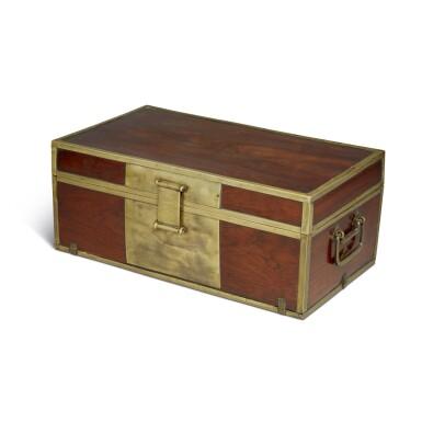 View 2. Thumbnail of Lot 115. A 'huanghuali' document box (Xiaoxiang), Qing dynasty, 18th / 19th century | 清十八 / 十九世紀 黃花梨長方形小箱.