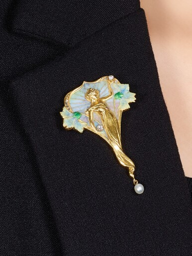 View 4. Thumbnail of Lot 9020. Art Nouveau Enamel, Pearl and Diamond Brooch   新藝術 琺瑯彩 配 珍珠 及 鑽石 胸針.