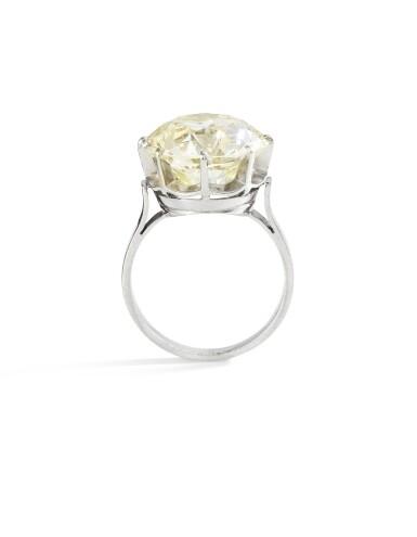 View 3. Thumbnail of Lot 27. BAGUE DIAMANT    DIAMOND RING.