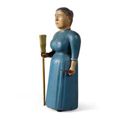 VERY FINE CARVED AND POLYCHROME PAINT-DECORATED WOOD SCULPTURE OF A DOMESTIC LADY WITH BROOM AND DUSTPAN, LATE 19TH OR EARLY 20TH CENTURY