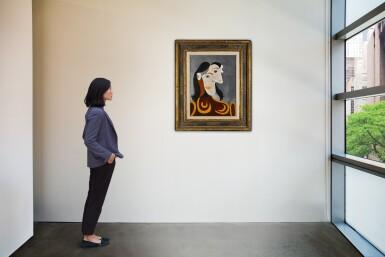 View 4. Thumbnail of Lot 119. Buste de femme à la robe brune | 《棕裙女子半身像》.