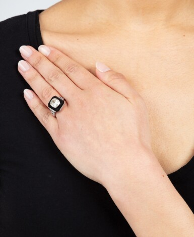 View 4. Thumbnail of Lot 20. Bague onyx et diamant | Onyx and diamond ring.