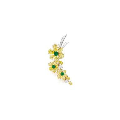 FANCY INTENSE YELLOW DIAMOND, DIAMOND AND EMERALD BROOCH, VAN CLEEF & ARPELS, PARIS   濃彩黃色鑽石配鑽石及祖母綠別針,梵克雅寶