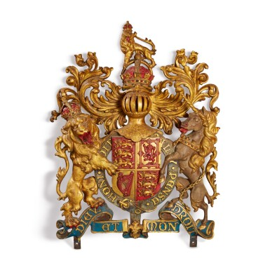 AN ENGLISH COLD-PAINTED CAST-IRON BRITISH ROYAL COAT OF ARMS, LATE 19TH/EARLY 20TH CENTURY
