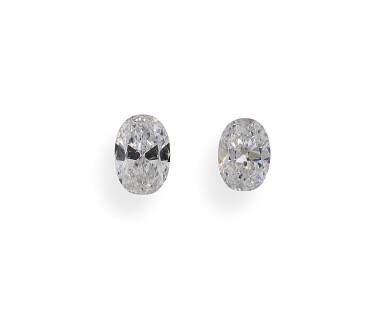 A Pair of 0.51 and 0.50 Carat Oval-Shaped Diamonds, D Color, Internally Flawless and VVS2 Clarity