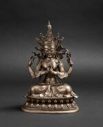 Grande figure d'Avalokiteshvara en bronze argenté Circa 1900 | 約1900年 鎏銀銅觀世音菩薩座像 | A silvered-bronze figure of Avalokiteshvara, ca. 1900