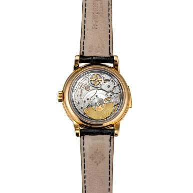 View 3. Thumbnail of Lot 46. Ref. 3974 Yellow gold minute repeating perpetual calendar wristwatch with moon phases, 24-hour and leap-year indication Made in 1990 | 百達翡麗3974型號黃金三問萬年曆腕錶備月相、24小時及閏年顯示,1990年製.