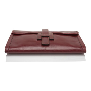 View 5. Thumbnail of Lot 24. Hermès Vintage Rouge H Box Jige Elan Clutch 29cm.