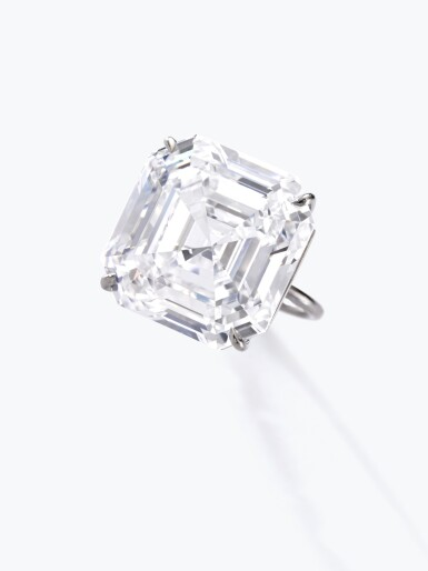 View 4. Thumbnail of Lot 122. Exceptional diamond ring | 鑽石戒指.