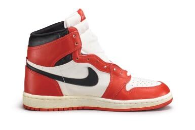 View 5. Thumbnail of Lot 9. Nike Air Jordan 1 High OG (1985) 'Chicago' | Size 9.
