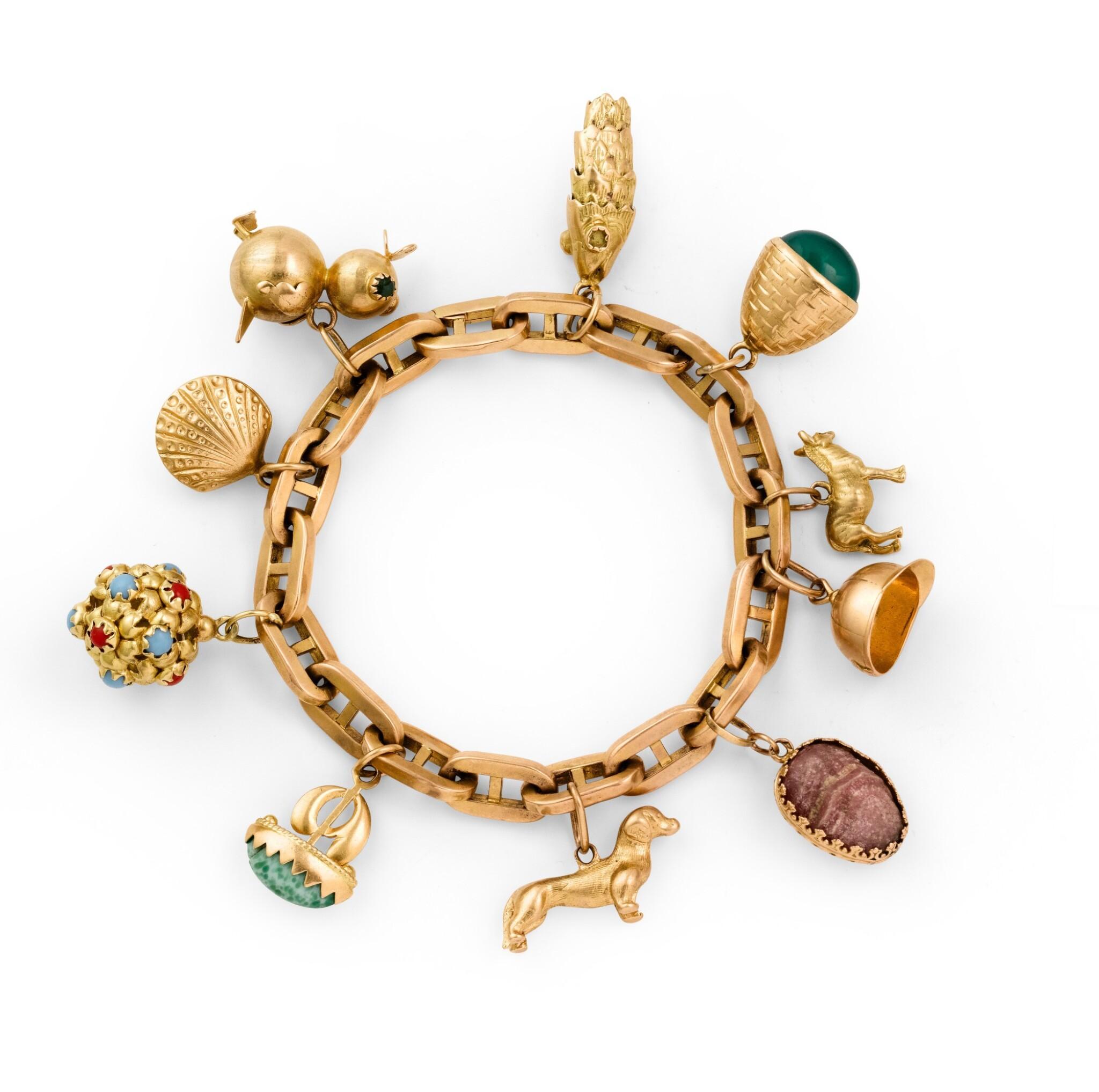 Gem-set charm-bracelet [Bracelet or et pierres de couleur], 1940s [vers 1940]