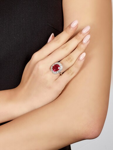 View 4. Thumbnail of Lot 1743. DESIGNED AND MOUNTED BY FORMS | AN EXCEPTIONAL RUBY AND DIAMOND RING | Forms 設計及鑲嵌 | 非常珍罕 6.41卡拉 天然「緬甸鴿血紅」未經加熱紅寶石 配 鑽石 戒指 戒指.