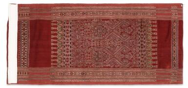View 4. Thumbnail of Lot 50. Tissu cérémoniel pua, Iban, Borneo, Indonesia, début du 20e siècle | Sacred ceremonial cloth pua, Iban, Borneo, Indonesia, early 20th century.