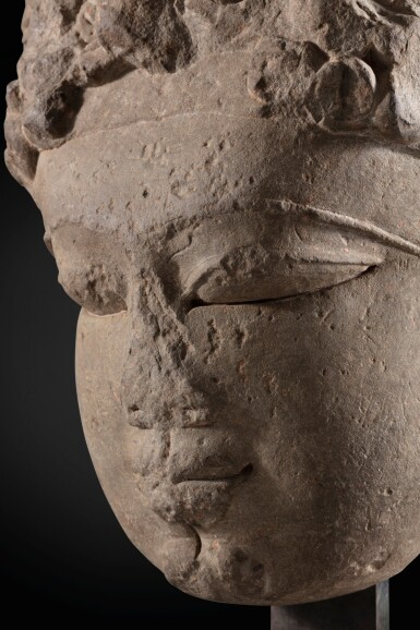 View 5. Thumbnail of Lot 243. A monumental buff sandstone head of a Devi North India, 9th-10th century | 印度北部 九至十世紀 砂岩雕提毗首.