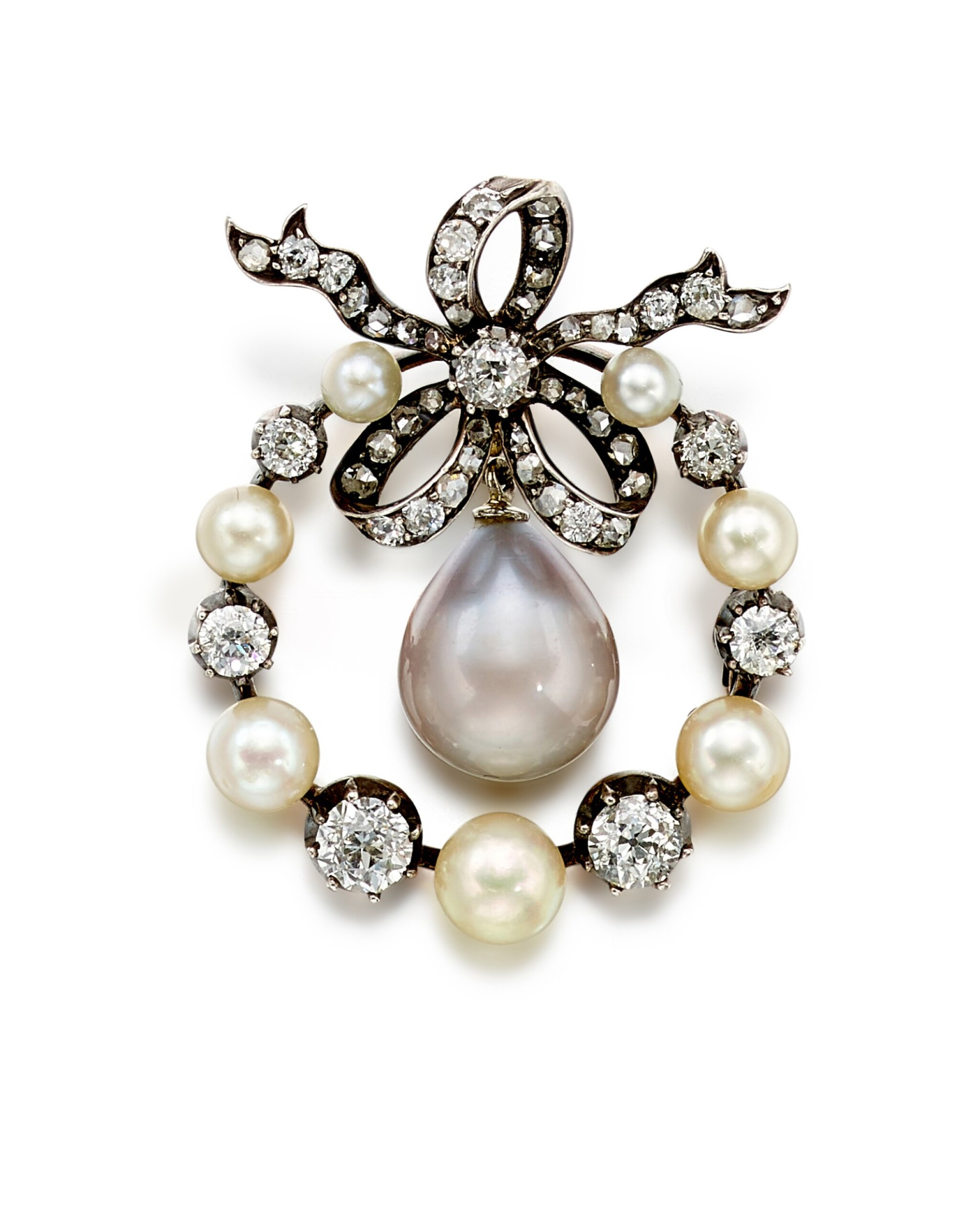 View full screen - View 1 of Lot 9009. Natural Pearl and Diamond Brooch, 19th Century | 天然海水珍珠 配 鑽石 胸針, 19世紀.
