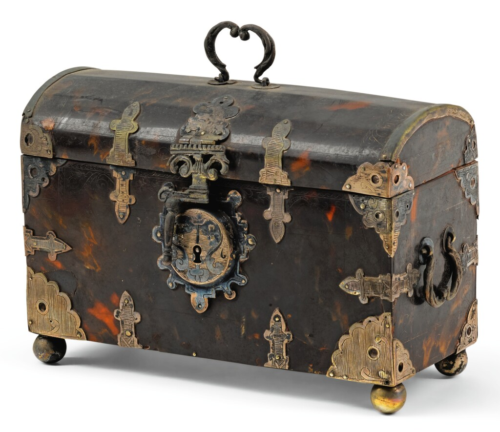 DUTCH COLONIAL, INDONESIA, 17TH/ 18TH CENTURY | Casket