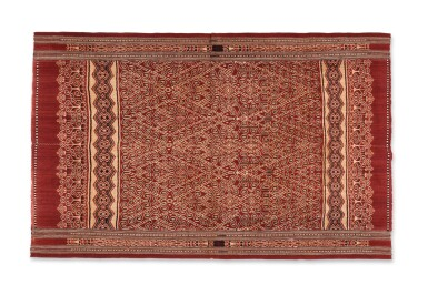 View 2. Thumbnail of Lot 15. Tissu cérémoniel pua, Iban, Bornéo, Indonésie, ca.1900 | Ceremonial cloth pua, Iban, Borneo, Indonesia, about 1900.