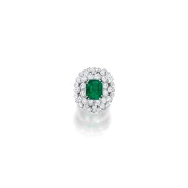 EMERALD AND DIAMOND RING, DAVID WEBB | 祖母綠配鑽石戒指,David Webb