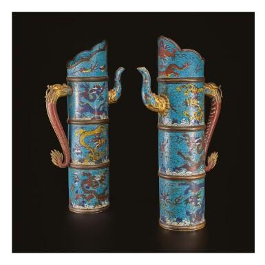 A PAIR OF CLOISONNE ENAMEL TIBETAN-STYLE 'DRAGON' EWERS, DUOMUHU, 17TH CENTURY