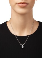 DIAMOND PENDANT-NECKLACE