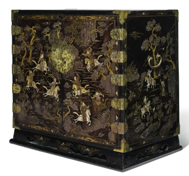 A MOTHER-OF-PEARL-INLAID BLACK LACQUER CABINET QING DYNASTY, KANGXI PERIOD | 清康熙 黑漆嵌螺鈿人物故事圖方角櫃