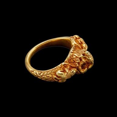 View 2. Thumbnail of Lot 1020. A gold 'Ganesha and rats' ring Khmer, Angkor period, 8th - 9th century | 八至九世紀 高棉吳哥王朝 象神及坐騎鼠紋金戒指.