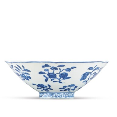 View 7. Thumbnail of Lot 131. A finely painted blue and white lobed 'fruit and flower' bowl, Xuande mark and period | 明宣德 青花折枝花果紋葵口碗  《大明宣德年製》款.