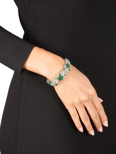 View 4. Thumbnail of Lot 1020. 'Carissa' Emerald and Diamond Bracelet | 格拉夫| 'Carissa' 祖母綠 配 鑽石 手鏈 (祖母綠及鑽石共重約9.30及17.40克拉).
