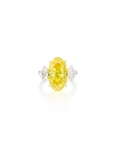 View 1 of Lot 1750. AN EXCEPTIONAL FANCY VIVID YELLOW DIAMOND AND DIAMOND RING | 艷麗卓絕 8.88卡拉 艷彩黃色鑽石 配 鑽石 戒指.