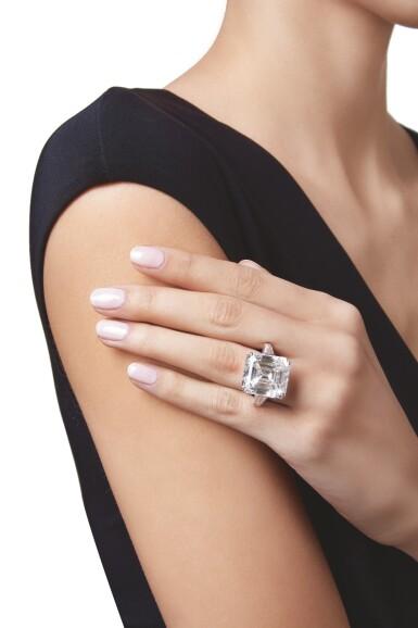 View 3. Thumbnail of Lot 444. AN IMPORTANT DIAMOND RING | 鑽石戒指一枚.