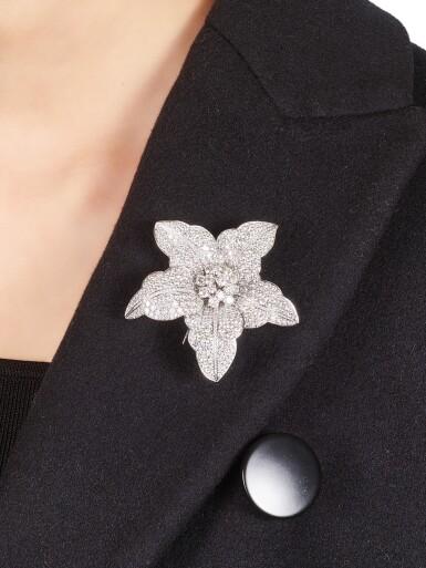 View 4. Thumbnail of Lot 1002. Diamond Brooch | 格拉夫| 鑽石胸針 (鑽石共重約17.90克拉).