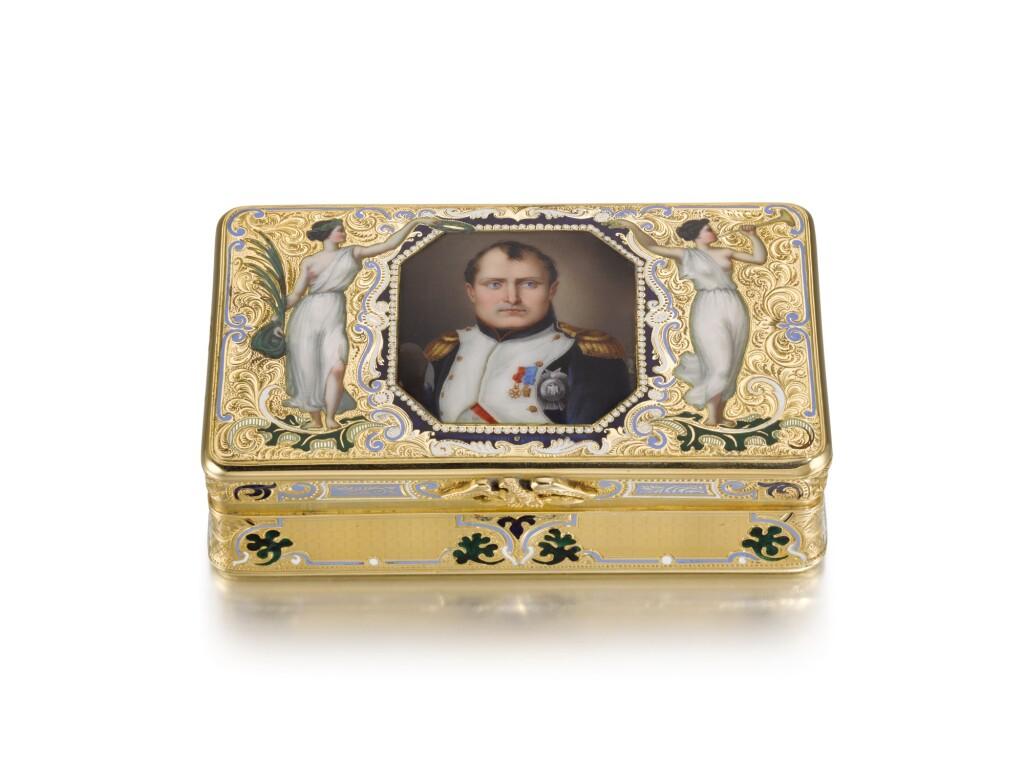 A GOLD AND ENAMEL COMMEMORATIVE SNUFF BOX WITH PORTRAIT OF NAPOLEON, PROBABLY GENEVA, MID 19TH CENTURY