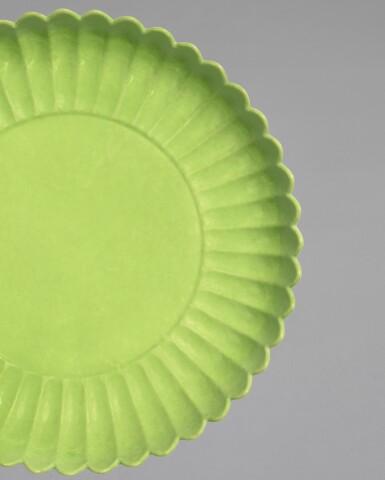 View 3. Thumbnail of Lot 6. A RARE LIME GREEN-ENAMELLED 'CHRYSANTHEMUM' DISH, YONGZHENG MARK AND PERIOD | 清雍正 青綠釉菊瓣盤 《大清雍正年製》款.