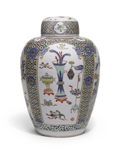 A FAMILLE-VERTE OVOID JAR AND COVER | QING DYNASTY, KANGXI PERIOD [TWO ITEMS]