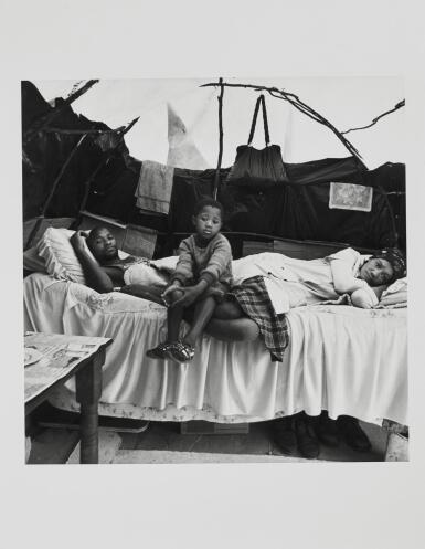 DAVID GOLDBLATT | A FAMILY IN THEIR SHELTER AT KTC SQUATTER CAMP, CAPE TOWN, 1984
