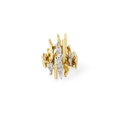 View 1. Thumbnail of Lot 126. Bague diamants | Diamond ring.