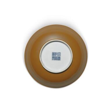 View 6. Thumbnail of Lot 137. A cafe-au-lait-glazed bowl, Seal mark and period of Qianlong | 清乾隆 紫金釉弦紋盌 《大清乾隆年製》款.